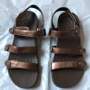 Vionic Chaty Metallic brown Strap Sling sandals